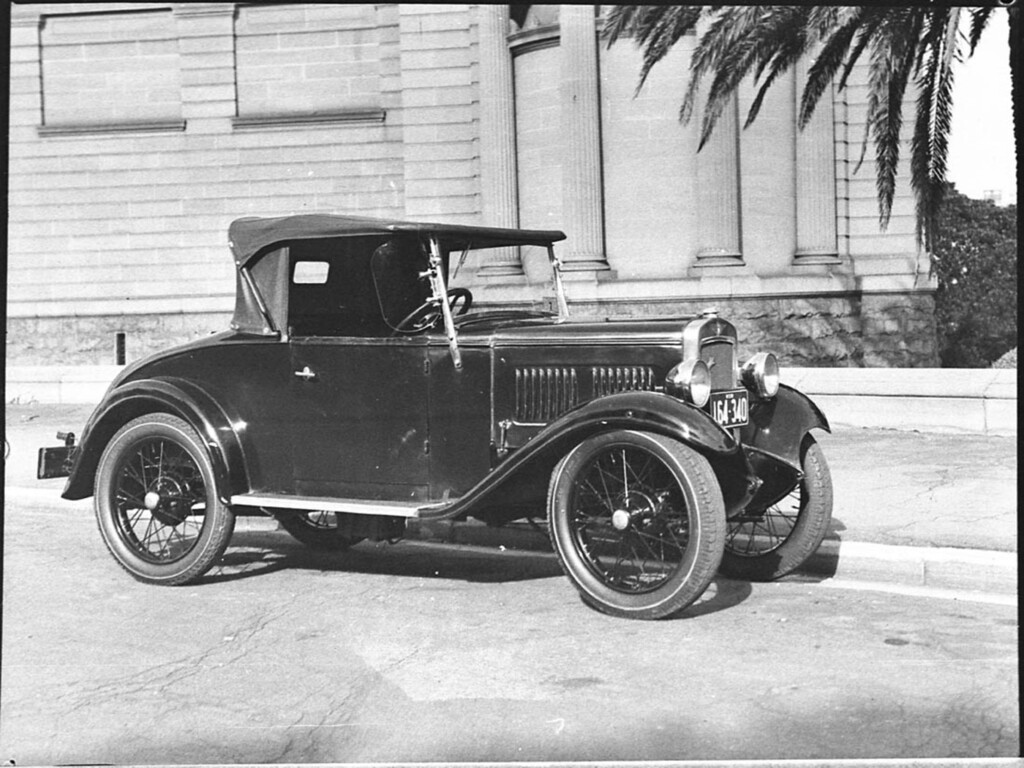 Baby Austin 7, Art Gallery of New South Wales, Sydney, 29 April 1937 / Sam Hood