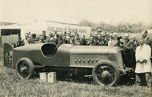 """Anzac"" car [with Harkness & Hillier staff at Five Dock?]"
